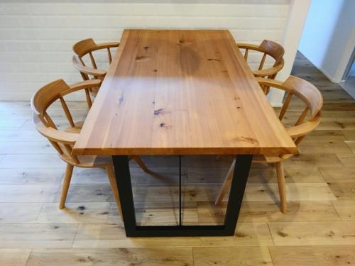 杉材ダイニングテーブル